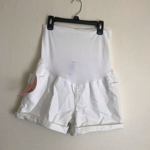Liz Lange white maternity shorts New with tags